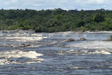 Stromschnellen bei São Gabriel da Cachoeira