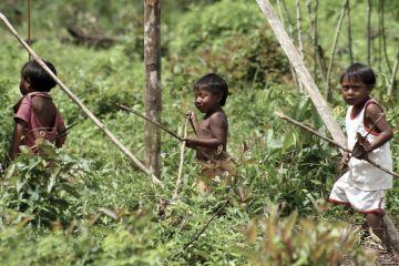 Früh übt sich: Ingarikó-Indio-Kinder bei der Jagd